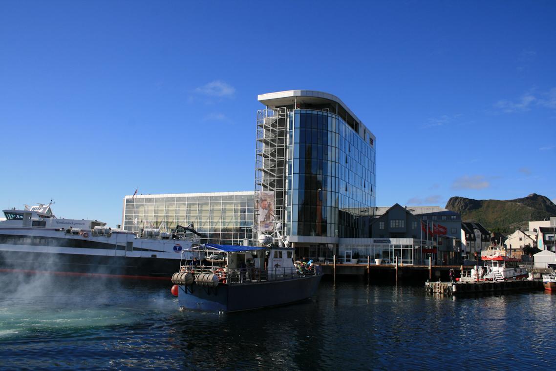 Kulturehuset og Thon hotell - foto Geir Johansen.jpg